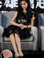 明星angelababy脚背小花纹身图案