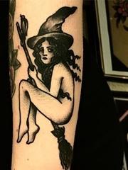 一组关于黑魔法主题相关的纹身图案