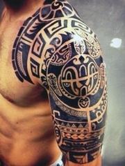 10款男性帅气半甲纹身图案