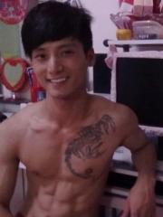 男生胸部个性的蝎子纹身