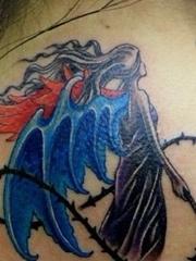 脖子后面的天使纹身图案