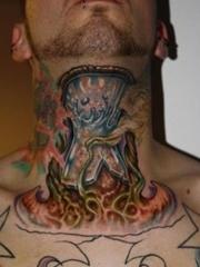 个性脖子上喉结处houjiechu的刺青图片作品