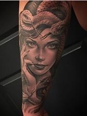 神圣的黑灰色古老传说纹身神话人物花臂纹身图案
