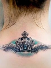 脖子后颈部的皇冠huangguan图案