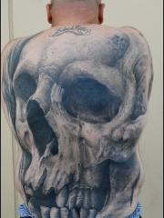 男士满背大面积恐怖骷髅纹身