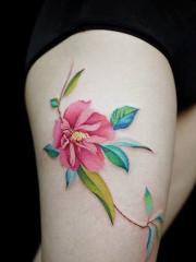 女生大腿小清新彩绘美丽的花蕊纹身图案