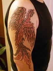 男士手臂经典好看的凤凰纹身图案
