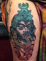 极具诱惑力的传统纹身图案来自于纹身师菲尔