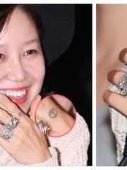 韩女星孔孝真手指简单的刺青图案