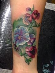 迷人的植物彩虹色花卉纹身图案来自于纹身师艾米