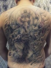 魅力男士满背经典象神纹身图案