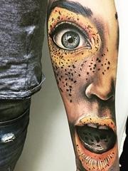 超现实主义的杰作纹身图案来自纹身师桑德里