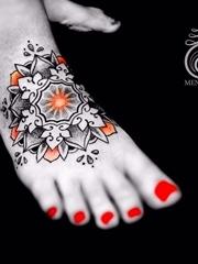 彩色渐变纹身点刺技巧几何花纹身图案
