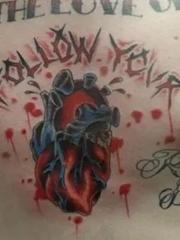 彩色水墨风格纹身心脏纹身和英文单词纹身图片