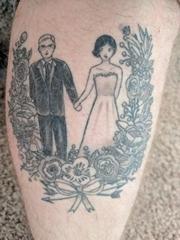 小腿上黑灰色创意情侣纹身结婚纪念纹身图片