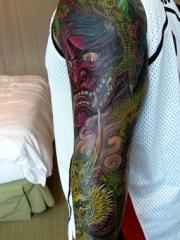 彩色般若花臂纹身图片