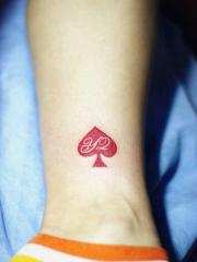 红桃心脚踝纹身图片