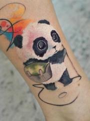 小腿水彩可爱小萌物卡通熊猫纹身图片