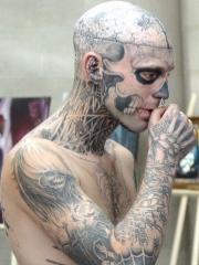男士满身头部恐怖骷髅纹身图案