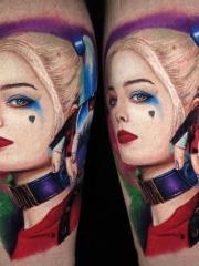 腿部写实女孩肖像彩绘纹身图案
