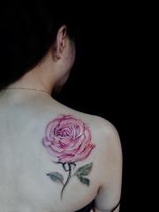 后背玫瑰花彩绘纹身图案