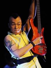 歌手黄家强手臂图腾纹身图案