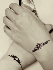 情侣手腕简单好看的图腾纹身图案