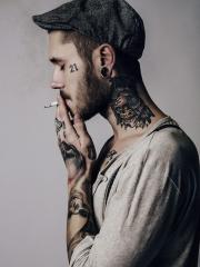 欧美霸气颈部猫头鹰骷髅纹身图案