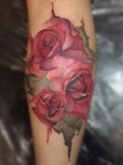 小腿水墨风格玫瑰纹身图案