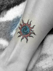 脚踝好看的太阳图腾时尚刺青图案