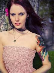 美女手臂可爱的猫星人纹身图案