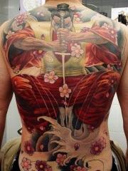 男性满背日本武士花朵纹身图案