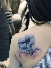 后背美人鱼尾巴与星空唯美纹身
