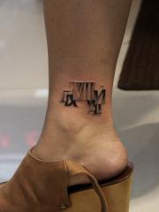 脚踝罗马数字纹身图案