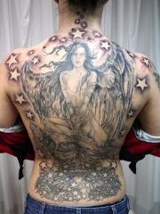 个性十足的满背天使星星纹身图案