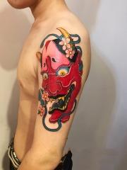 手臂般若花朵彩绘纹身图案