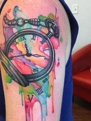 钟表都可以制作成这么帅气的纹身图案