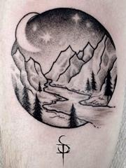 黑色的手臂山水纹身水墨画点刺纹身风景图片