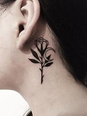 女孩黑白简单个性线条纹身图案