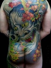 男士满背个性的般若枫叶纹身图案