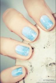 简单又好看的渐变蓝色亮片短指甲美甲图片