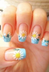 春季DIY彩绘小菊花好看的法式美甲图片