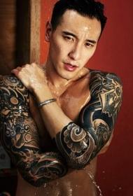 王阳明霸气十足的花臂纹身图案