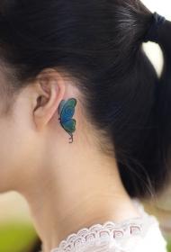 女生耳后蝴蝶彩绘纹身图案