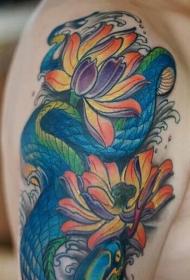 手臂喜欢莲花鱼蛇纹身图案