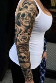 手臂黑灰玫瑰女郎肖像骷髅纹身图案