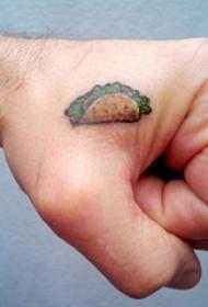 一组简单写实的美味食物纹身图案