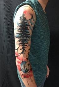 手臂上彩绘纹身几何元素纹身月亮纹身和树纹身植物纹身图片