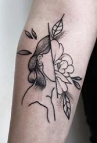手臂上纹身黑白灰风格点刺纹身人物肖像纹身花朵纹身图片