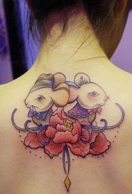 女生背部好看的彩色卡通老鼠纹身图案